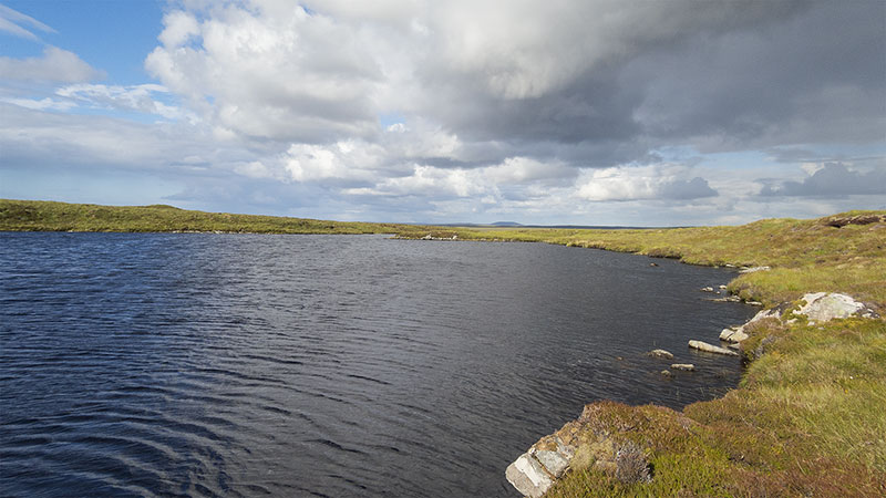 The loch of the one night airigh